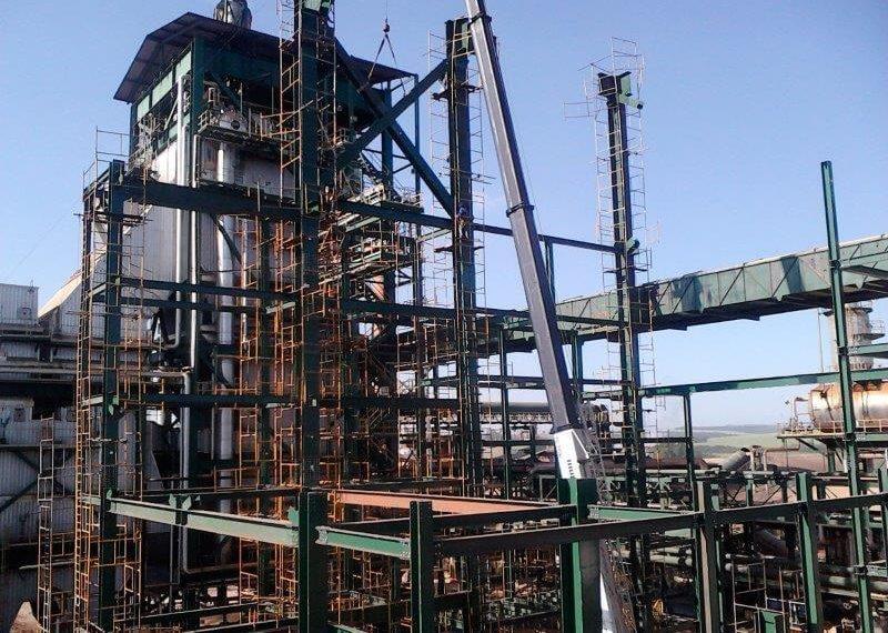Serviço de montagem de estruturas metálicas